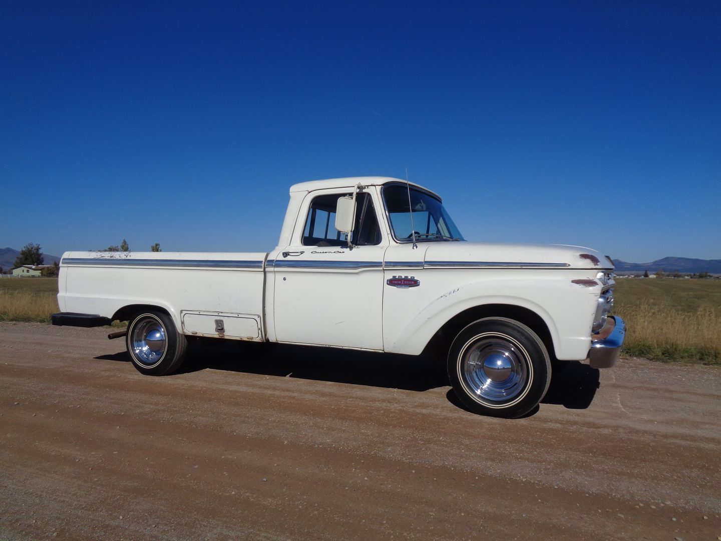 Ford F-100 Truck 1966 - MBB Collection