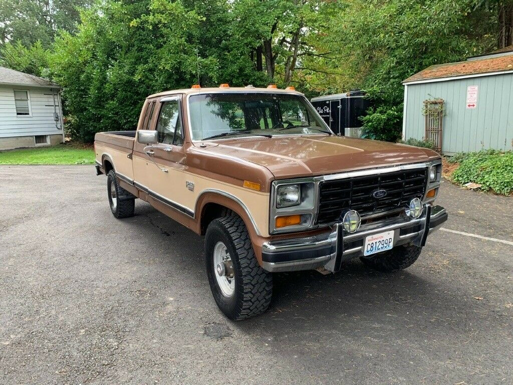 Ford F250 1986 4x4 6.9 Diesel - MBB Collection