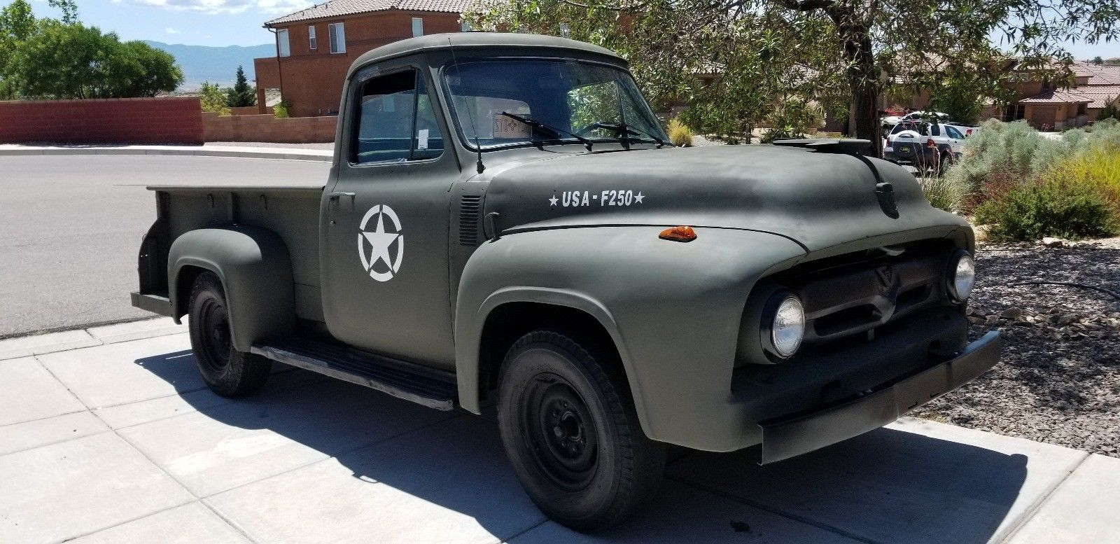 Ford F-250 1955 Military style - MBB Collection