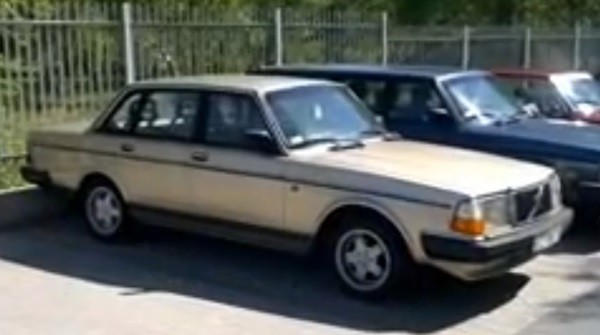 Volvo 244 1986 ac automatic - MBB Collection